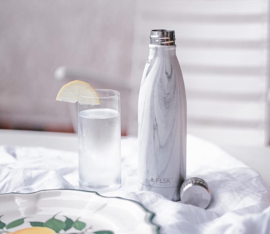 フラスクボトルのホワイトマーブルのイメージ画像
